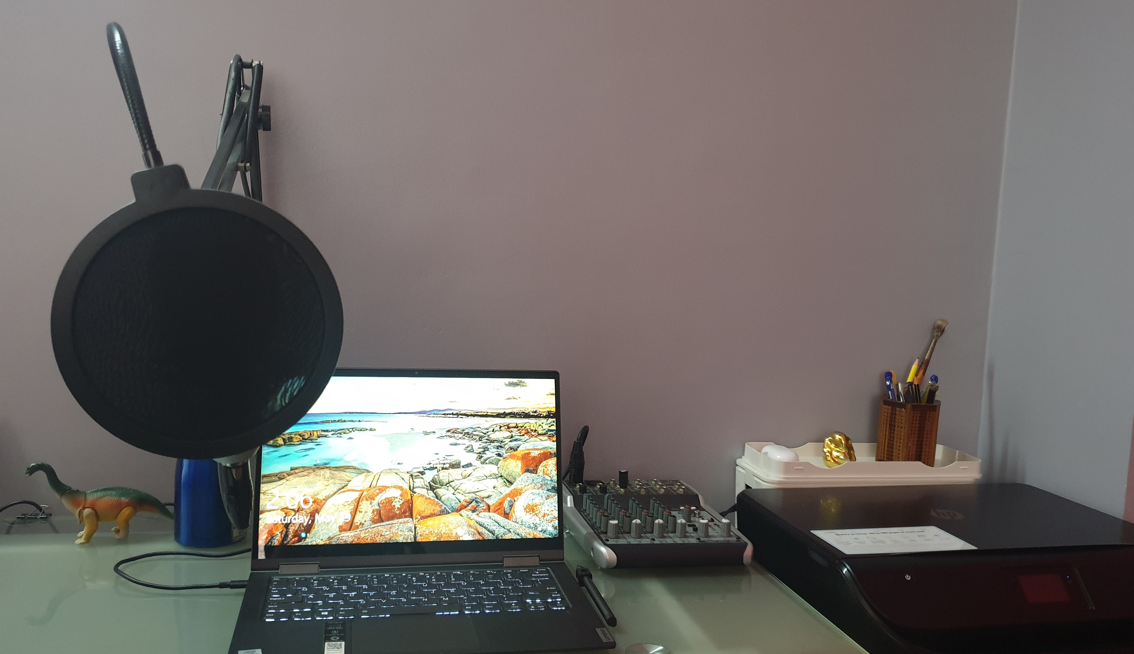 Work_Desk.jpg